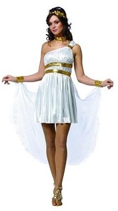 Строгий дресс-код: Древне римско-греческая тематика.  Все обязаны быть в костюмах (из белой простыни)...