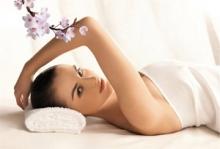 Тонизирующие и расслабляющие, теплые и холодные обертывания с использованием натуральных компонентов от салона красоты D'Ali